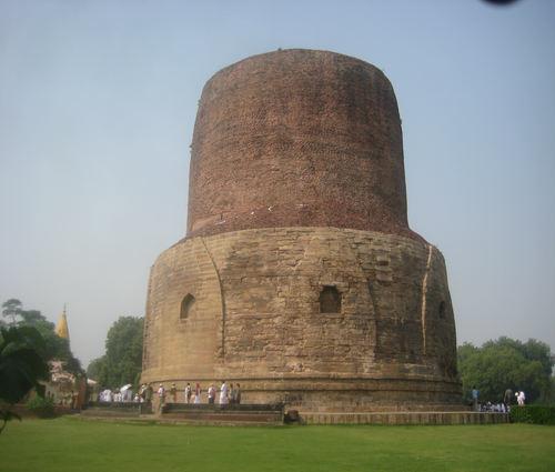 مقبره داماراجيكا در هند