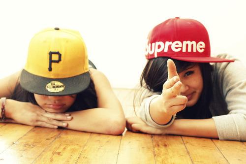 supreme_hat_3884.jpg