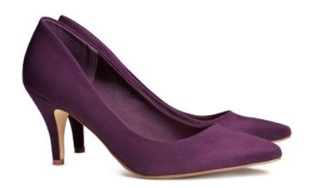 کفش پاشنه بلـــندقیمت این کفش 25 دلار است. و رویه آن 100% از جنس پلی استر است. ارتفاع پاشنه  این کفش 3 اینچ (حدودا 7.5 سانتیمتر) است.