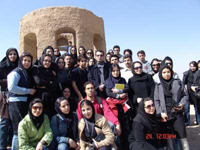 با دانشجویانم در گروه کارشناسی معماری دانشگاه علامه محدث نوری