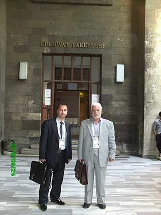 دکتر حسین محمدزاده صدیق در دانشکده ادبیات دانشگاه استانبول، هشتمین کنگره تورکولوژی استانبول