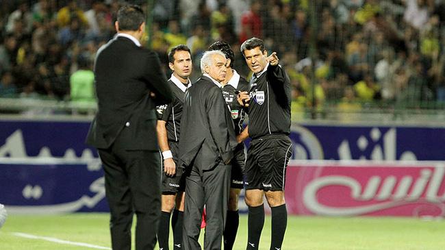 قهرماني از حضور در فوتبال منع شد