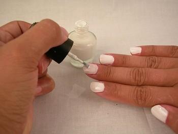 آموزش طراحی روی ناخن با لاک