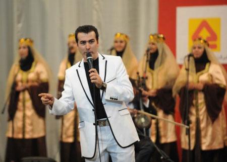http://s2.picofile.com/file/7985267632/rahim_shahriari.jpg