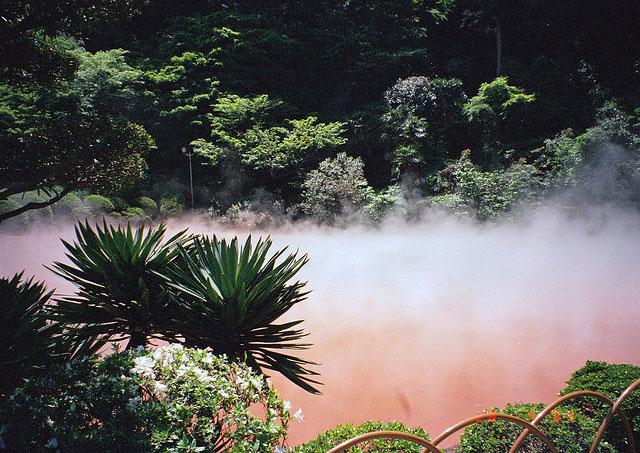 مطالب داغ: مشهورترین آبفشانها و چشمه های آب گرم جهان