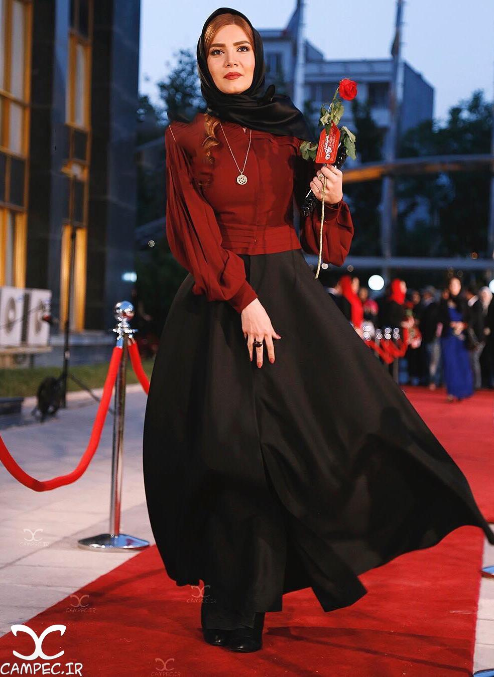 متین ستوده بر روی فرش قرمز جشن حافظ