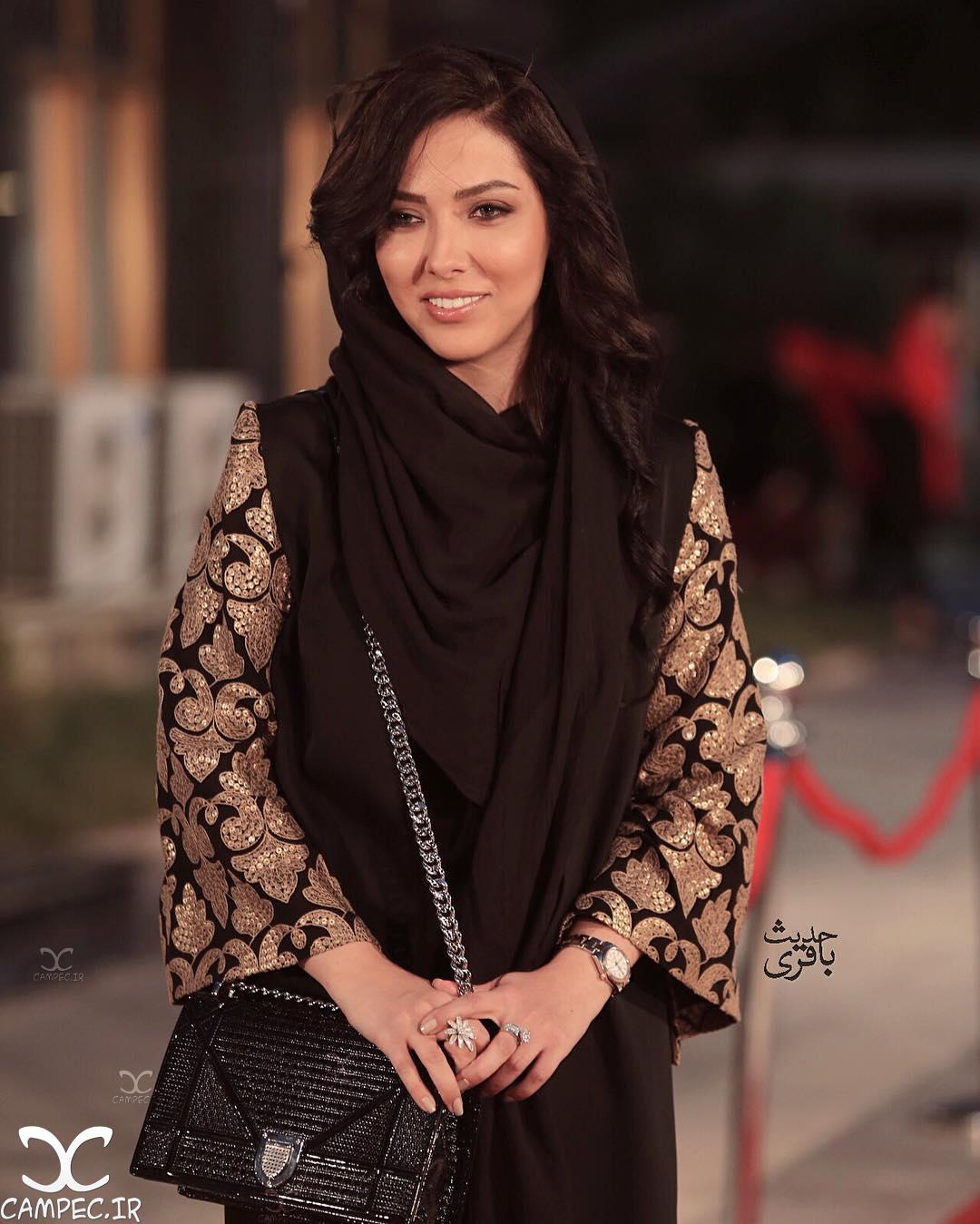 لیلا اوتادی بر روی فرش قرمز جشن حافظ
