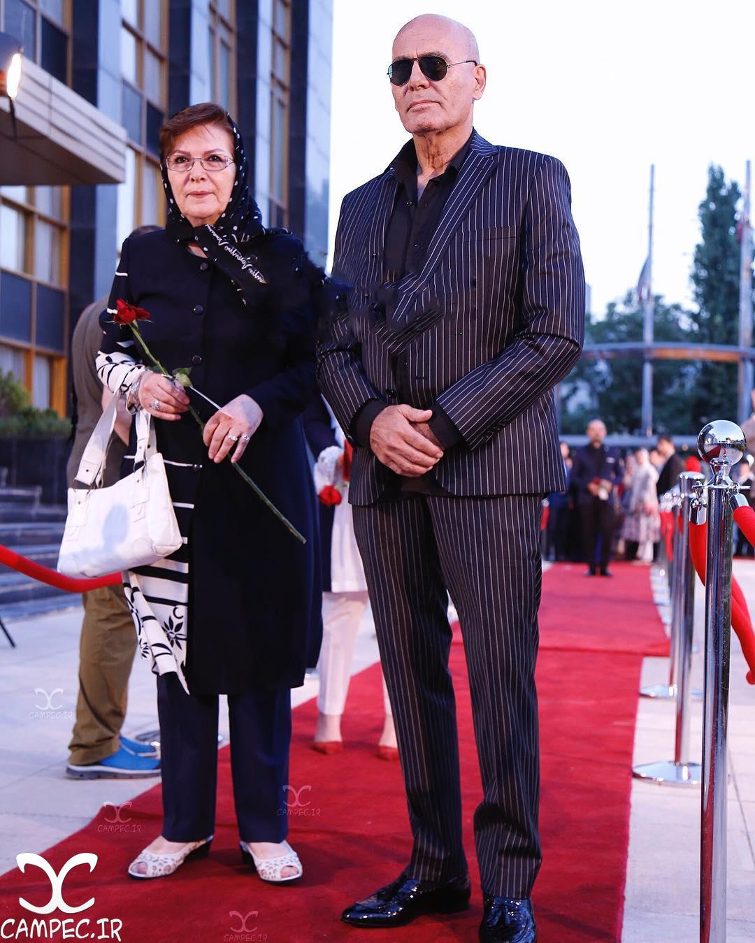 جمشید هاشم پور با همسرش در جشن حافظ