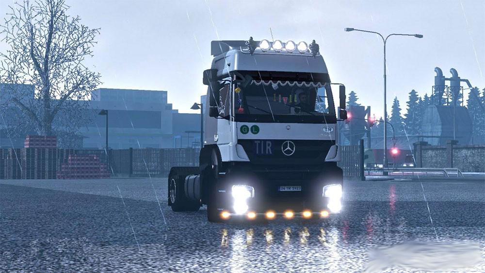 پک عظیم تیونینگ برای همه ی کامیون های بازی یورو تراک سیمولاتور 2