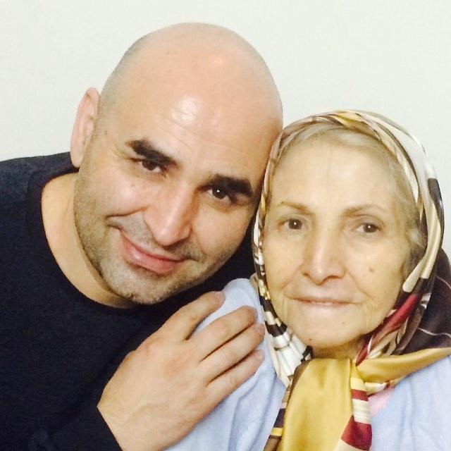 علی مسعودی و مادرش