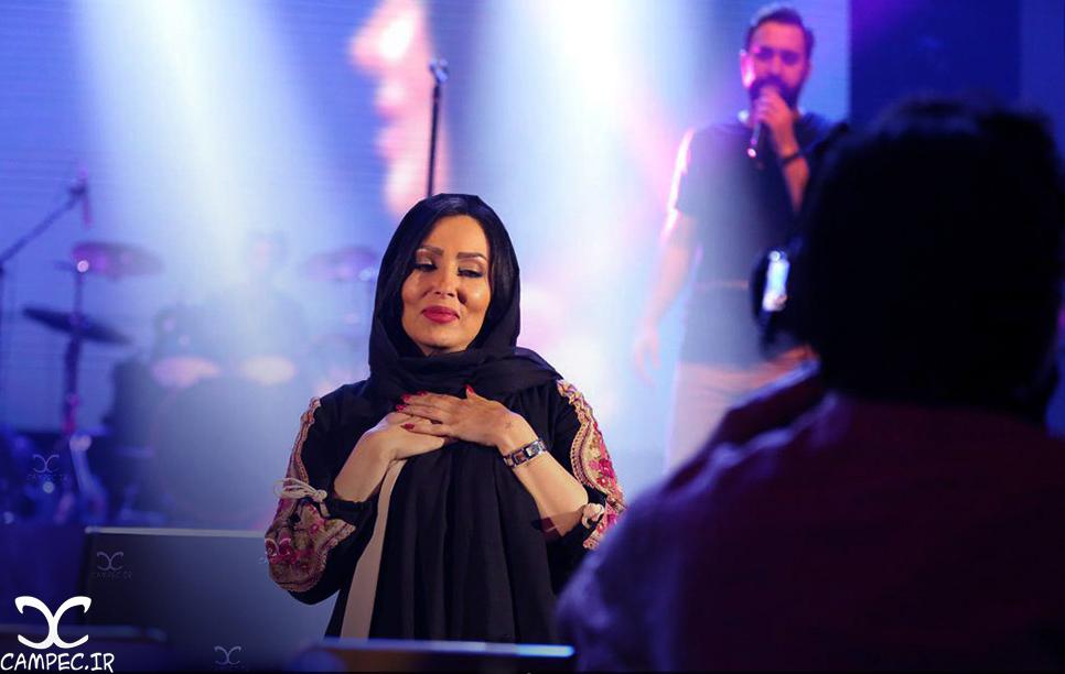 عکسهای حضور پرستو صالحی در کنسرت مهدی یراحی
