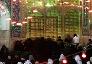 دانلود کلیپ شفا گرفتن کودک معلول شب تولد امام رضا (ع)