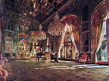 در کدام کاخ تالار آیینه اثر کمال الملک قرار دارد؟