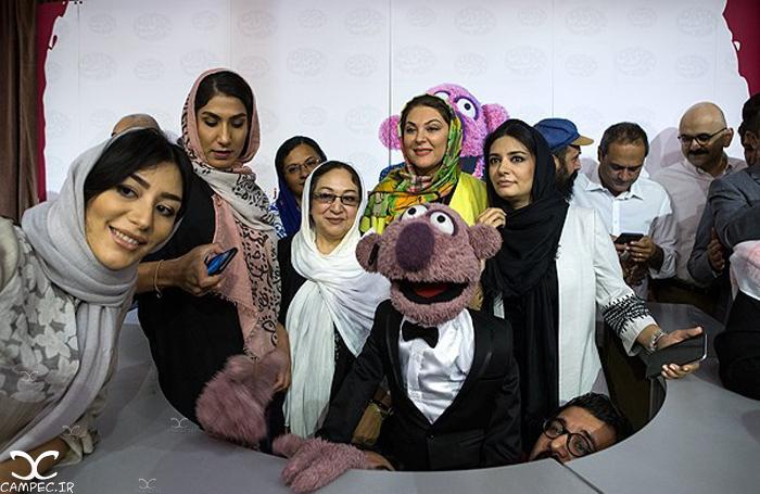 بازیگران در مراسم رونمایی از محصولات جناب خان