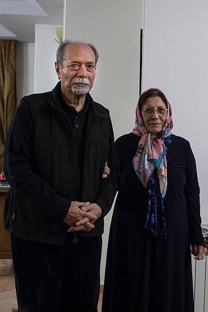 علی نصیریان با همسرش