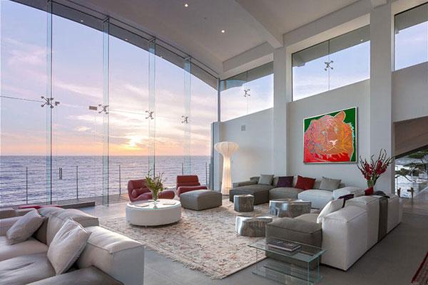 ویلا مشرف به اقیانوس در کالیفرنیا