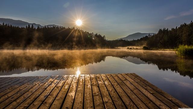 خورشید و دریاچه