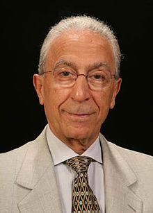 در چه زمینه ای پروفسور مجید سمیعی تخصص دارد؟