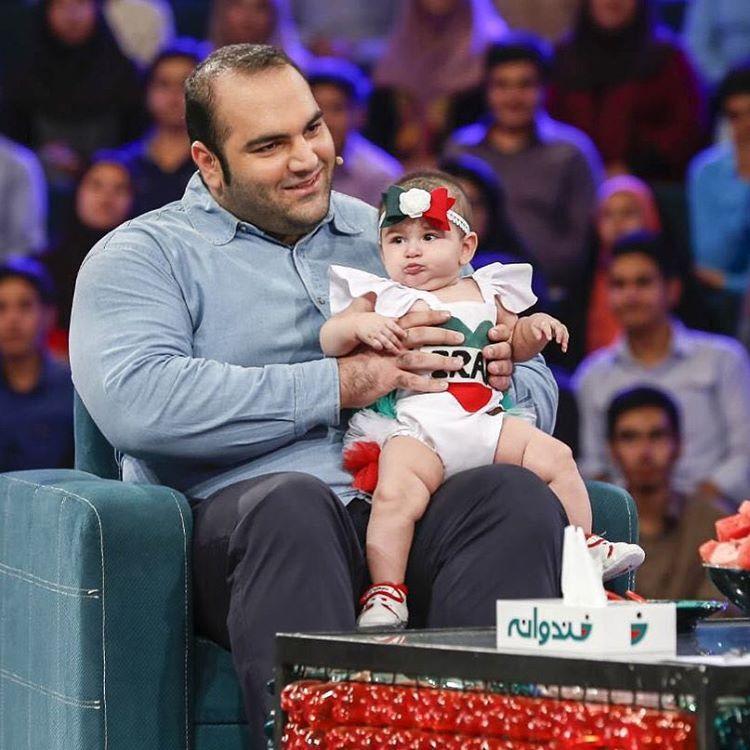 بهداد سلیمی با دخترش در برنامه خندوانه