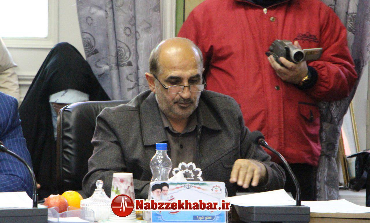 مظفر نیکومنش در کمیسیون فرهنگی شورا مطرح کرد:سازمان عمران شهرداری رشت به جای حمایت از فوتبال،کیفیت آسفالت خود را بالا ببرد .