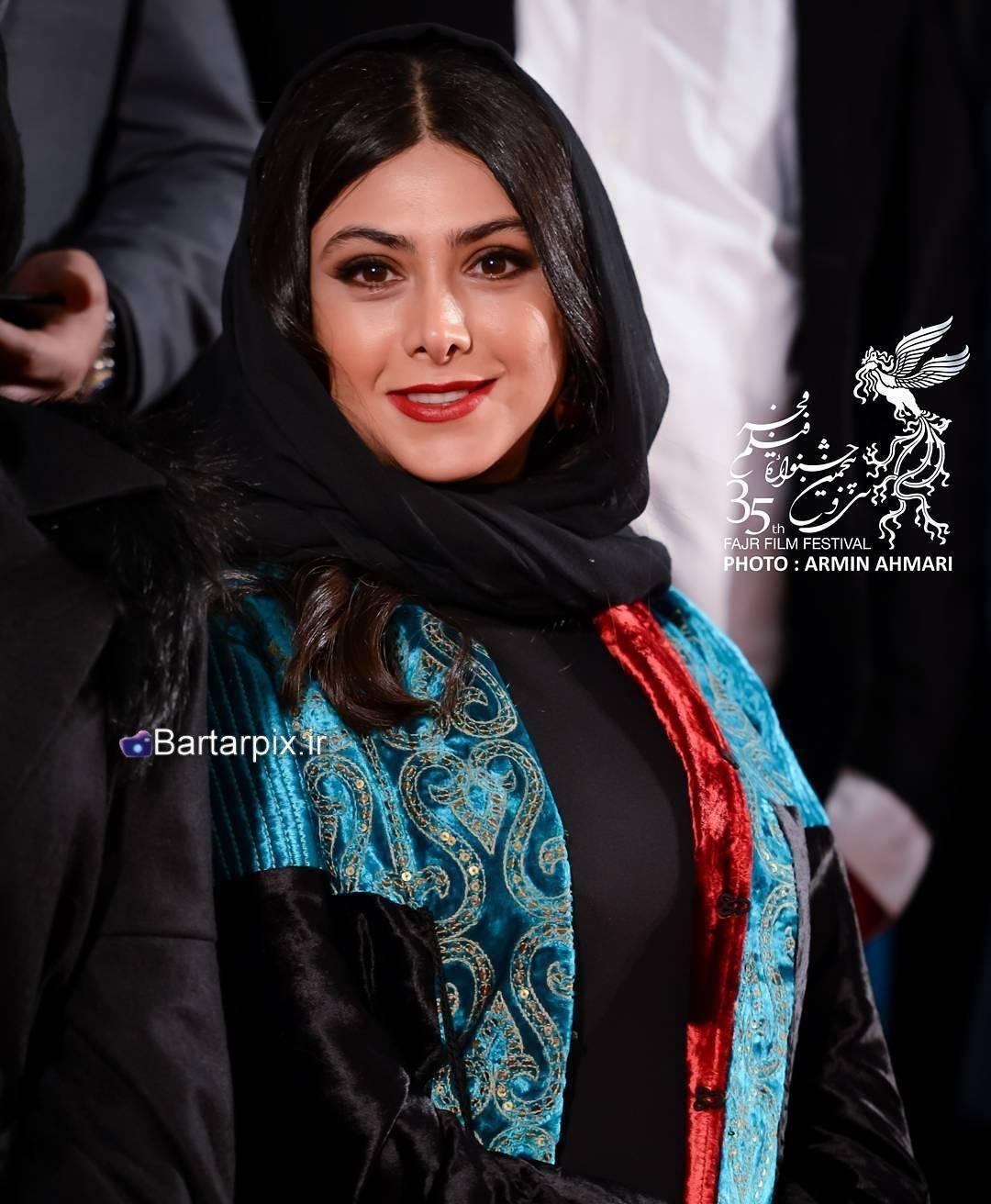 http://s2.picofile.com/file/8285145200/www_bartarpix_ir_azadeh_samadi_fajr_festival_95_4_.jpg