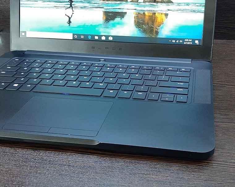لپ تاپ استوک ریزر بلید مدل HP PRO X2 612 G1 TABLET با مشخصات i7-6gen-16GB-256GB-SSD-6GB-nvidia-GTX-1060