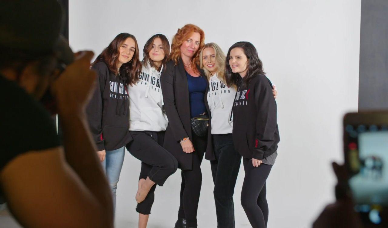 عکس های منتشر شده از سلنا مربوط به مستند Giving Back Generation